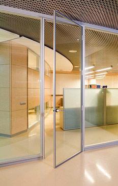 Фото Новые размеры инновационной двери с внешним остеклением