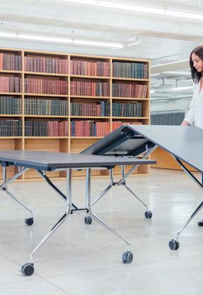 Гибкая работа и простота использования: складной стол GLOSS