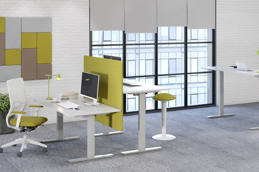 Коллекция оперативной мебели на опорах-панелях LAVORO PANEL. Декоративные панели PUZZLE с эффектом звукопоглощения.
